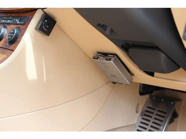 禁煙車!本革パワーヒーターシート コーナーセンサー純正HDDナビ HIDオートライト クルーズコント ETC