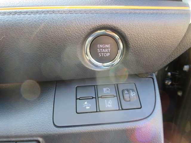プッシュボタンスタートで鍵を刺さなくても持ってるだけでエンジンも楽々かけれちゃう!!電話でのお問い合わせは0066-9711-371604(無料)です♪お気軽にどうぞ♪