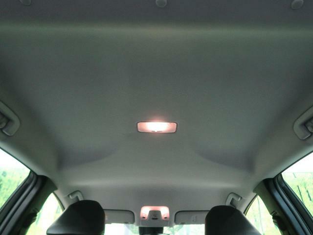 抗菌・消臭・防汚に最適!!【光触媒ルームコート】の施工もオススメです。光触媒で紫外線を受けることによって長期的に車内をクリーンに保つことができます。