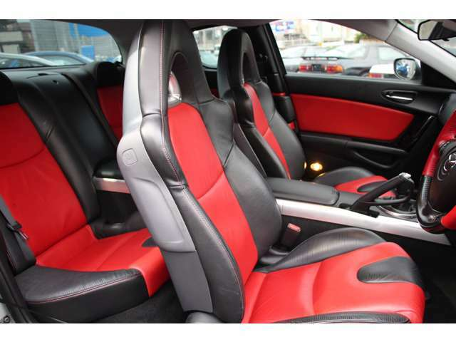 トータルセブンでは、RX-7(FD3S・FC3S) の高価買取り・強化買取りを随時行っており、他のGT スポーツ車も高価買取をさせて頂いております。
