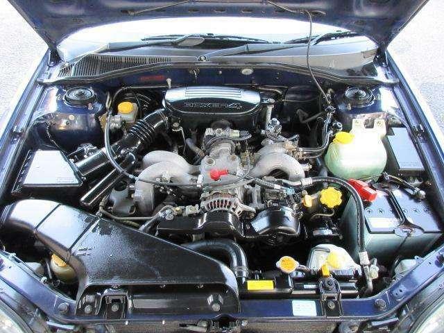 エンジンルームはクリーニング済みです♪エンジンは吹け上がりも良く変速もスムーズです♪BOXERサウンドをお楽しみ下さい♪