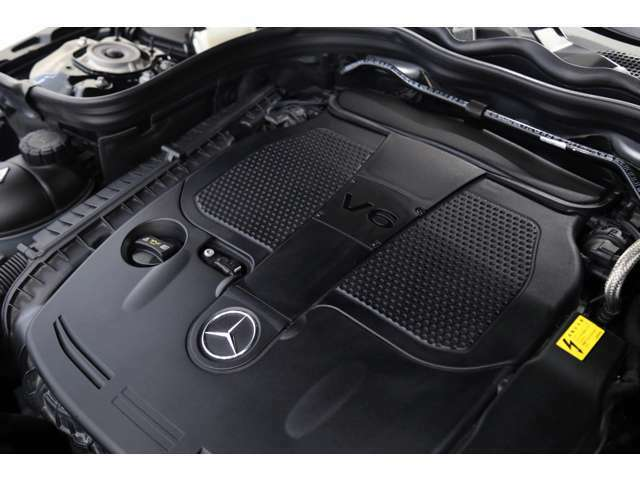 【エンジンスペック】 V型6気筒 3497cc ガソリン  306馬力(カタログ値)