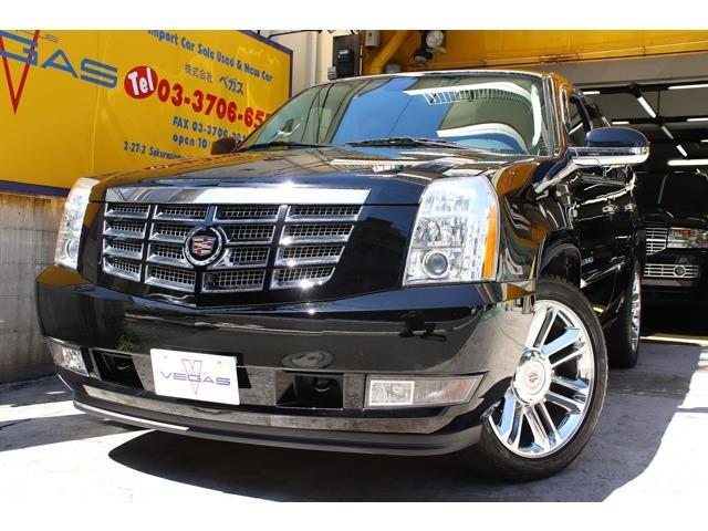 2014y最終モデル CADILLAC エスカレード Platinum/AWD 走行2.1万Km希少な1オーナー正規ディーラー車入庫しました。内外装共に綺麗な状態の豪華フル装備車輌は弊社お勧めの1台です