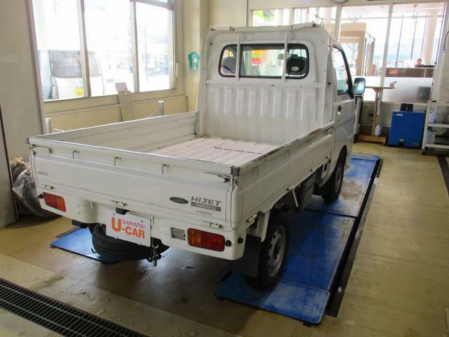 ご購入頂きました際には当店サービス工場で国家資格整備士が車検整備を実施のうえ納車いたします。安心してお乗り頂けます。