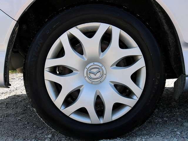 16インチタイヤです。タイヤ溝も残っておりますので、安心して乗ることが出来ます。