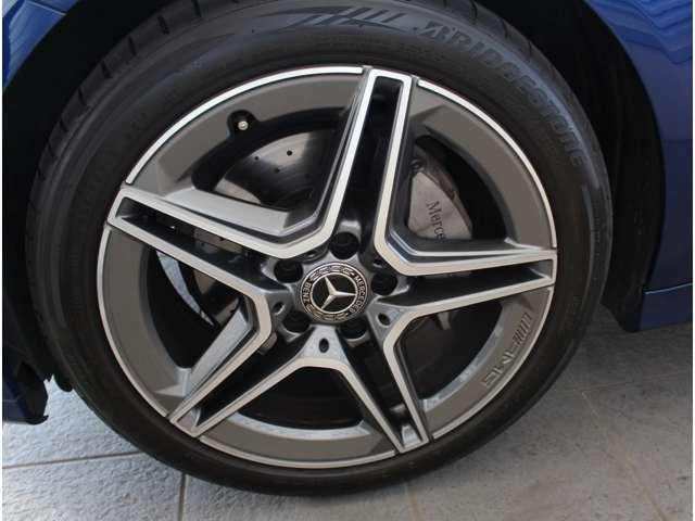 ブレーキ性能、乗り心地、デザイン全てにおいてご満足いただける足回りをメルセデスは具現化しております。