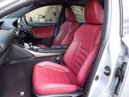 助手席シート☆カッコいい赤レザーシート☆禁煙車でキレイな室内です☆
