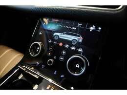 センタコンソールのデザインも秀逸なヴェラール。エアコンの操作はもちろん、車両の各種設定など直感的に操作可能です。