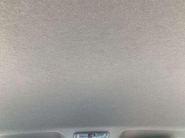 天井部分も特にシミ等なく綺麗な状態ですよ♪