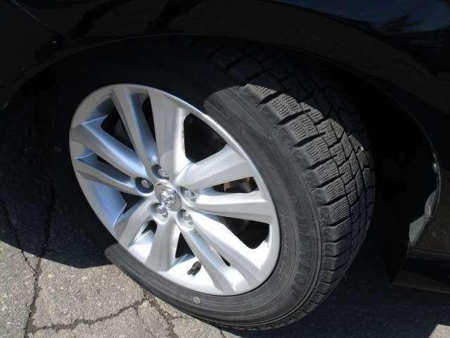 タイヤサイズは、195/60R16です。
