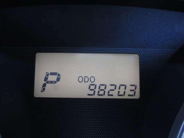 走行距離は、《98203km》となっております。※写真撮影当時の走行距離となっております。ご了承下さませ。