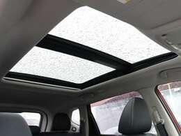 【 MOP パノラミックガラスルーフ 】開放感溢れる空間でドライブを楽しみませんか?