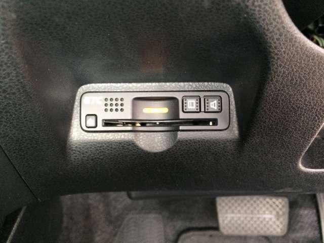 高速道路のご利用時に便利なETC車載器!セットアップを実施してお渡ししますのでお持ちのETCカードを差し込むだけで料金所をスムーズに通過できます!