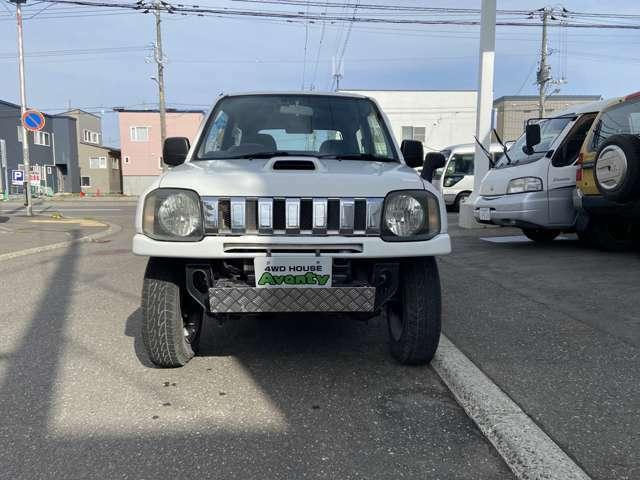 弊社では4wdの車をメインに様々な車種を取り扱っています。