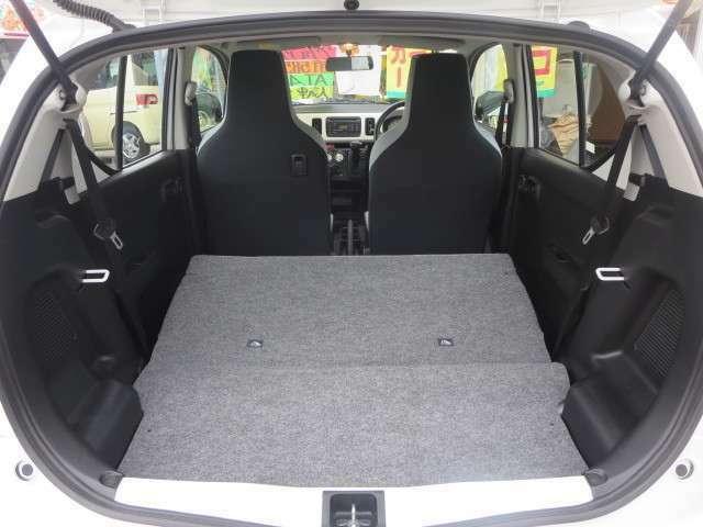 内装仕上げは専門業者にて入念に行っております。現車をご確認いただけば、きっとご満足いただける仕上りです。