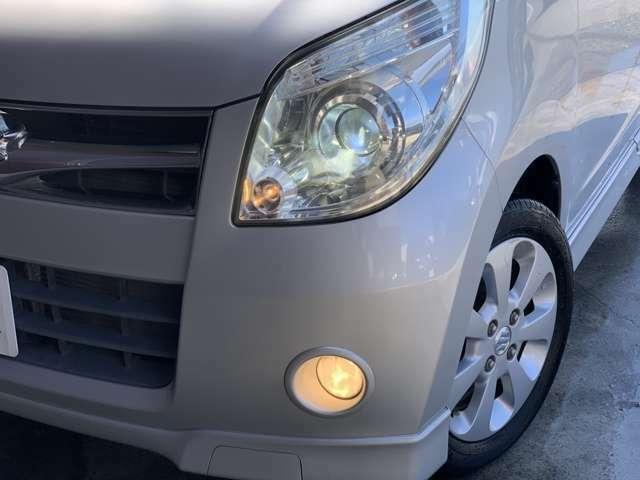 HIDヘッドライト装備!夜のドライブも見やすくて安心です!