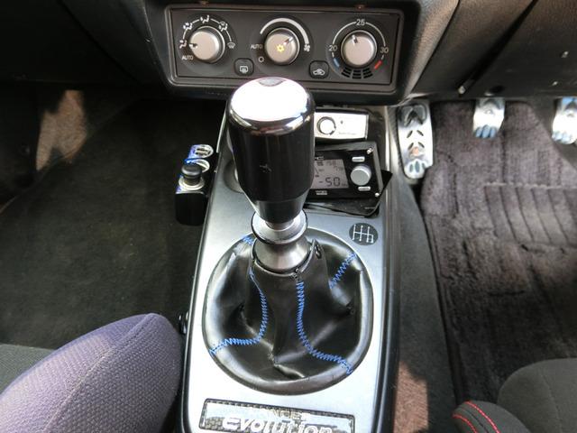 希少な6MTですターボ付き走りを楽しめますね安心の4WDです