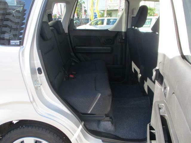リヤシートも全車消毒済み。状態など詳しくはスタッフまで。