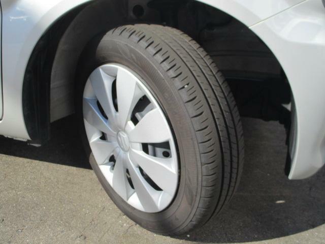 ホイールをドレスアップする純正のホイールキャップ【155/65R14】★タイヤの溝もまだまだ!くわしくはスタッフへ。