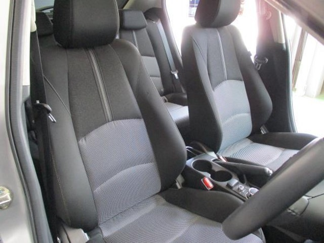 運転席&助手席のシートの様子をご確認ください!
