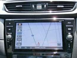 日産純正9インチメモリーナビ装備。NissanConnectマイカーアプリ対応、オペレーター通話や音声対話検索にも対応、HDMI入力やBL再生など多彩なメディア対応に加え、初回車検まで3回地図更新が無料です