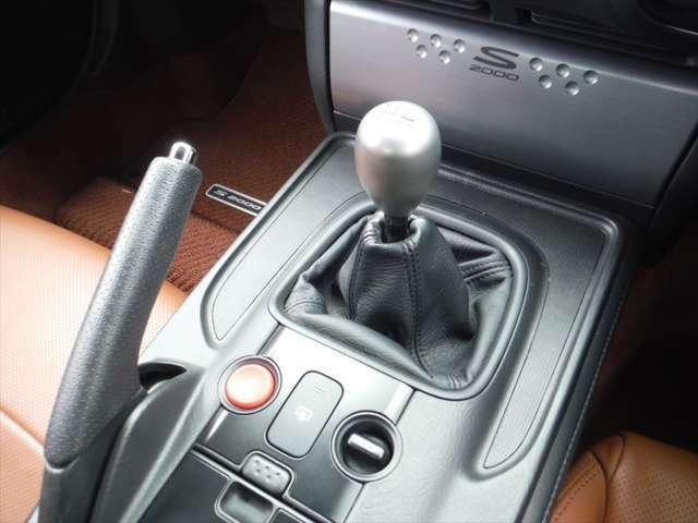 ワンオーナー 最終後期型 走行8000キロ台 希少車種 ブラウンレザーシート ETC 電動ソフトトップ フルノーマル キーレス プッシュスタート 純正オーディオ