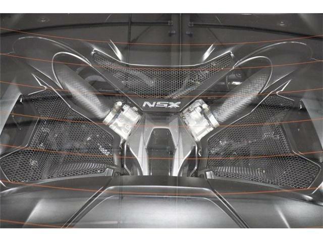 3.5L V6 DOHCツインターボエンジン+3モーターシステム