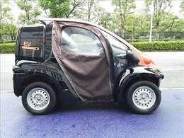 ツートンカラー!家庭的な小型電気車両!車検・車庫証明不要!家庭用コンセント(AC100V)で充電OK!普通免許で運転可!キャンパスドア!アクセサリーソケット!デリバリーBOX!