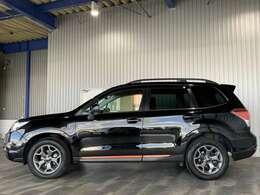 ワンオーナー・純正メモリーナビ・フルセグ・DVD・BT・バックモニター・ETC・コーナーセンサー・アイサイト・レーダークルーズ・レーンキープ・BSM・全席シートヒーター付です。