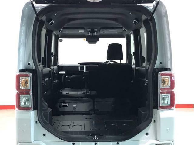 助手席シートを折りたたむとさらに長物の積載が可能です
