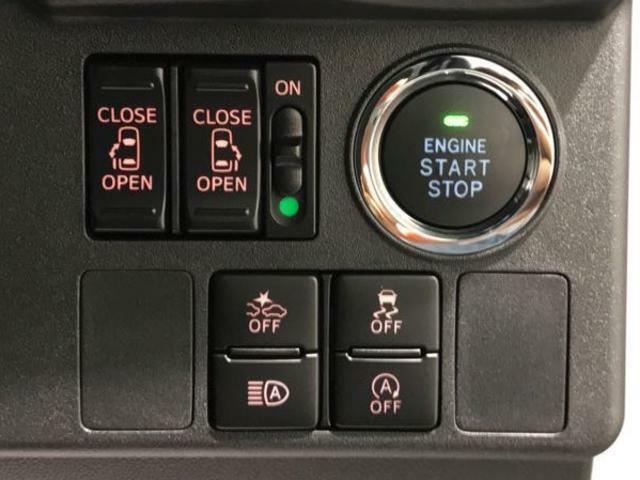 プッシュボタンでエンジンがかけられます。両側パワースライドドア!他にも衝突回避や横滑り防止機能など安全機能が搭載
