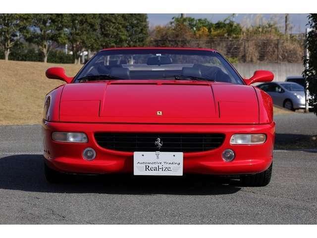 2002年国内登録の中古並行扱いですがコーンズにて輸入販売されたお車です。オーナー歴も少なく新車の頃の雰囲気を感じて戴けるコンディションのお車です。詳しくは弊社ホームページ、ブログをご覧になって下さい。