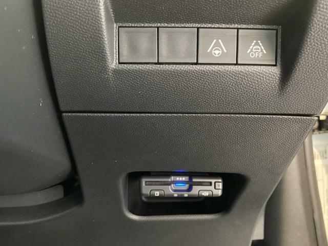 ETC車載器付きレーンキープアシスト