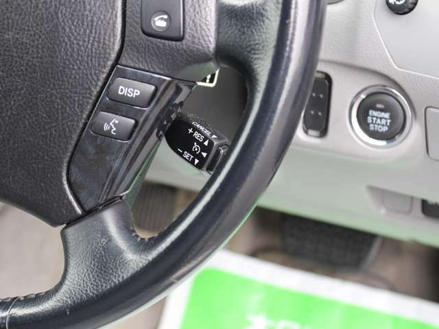 高速走行時にとても便利なクルーズコントロールも装備!長距離運転は本当に楽になります☆ライン付けの装備ですのであとからは追加できない装備です!!
