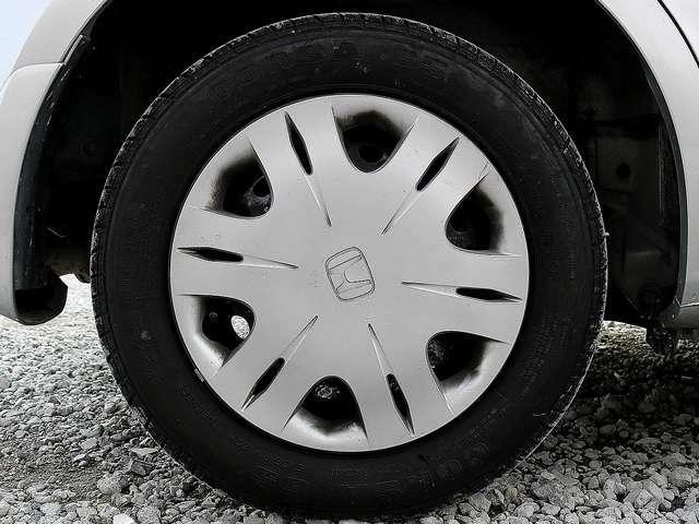 14インチタイヤです。タイヤ溝も残っておりますので、安心して乗ることが出来ます。