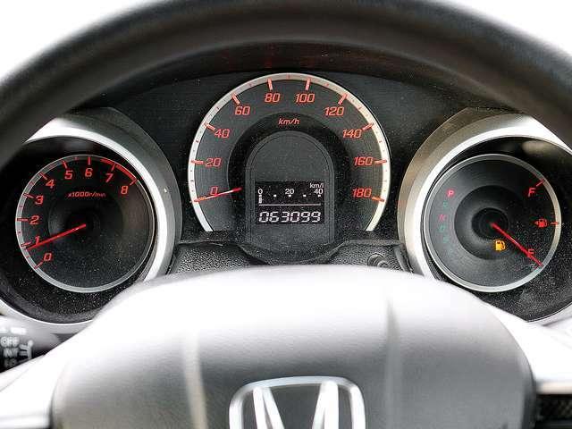 【メーター】現在の走行距離63098kmでございます。