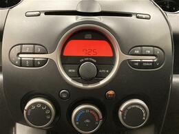 【純正オーディオと、ダイヤルで操作のしやすいオートエアコンです!】最長10年のロング保証に延長可!重要機構部品なら保証期間内、走行距離無制限で保証します!詳しくは店舗スタッフまでお問い合わせください。
