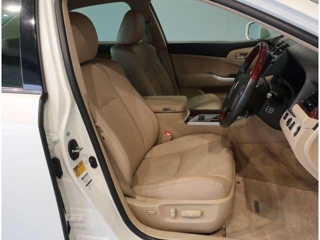ロングラン保証1年距離無制限付です・トヨタ認定中古車にて評価証明も付いてさらに安心です