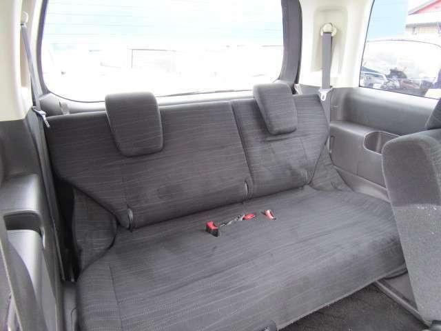 サードシートまで広くて快適にお乗りいただける広さです!