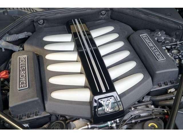令和2年9月(11,450Km)正規ディーラー12ヶ月点検整備(エンジンオイル、オイルフィルター、マイクロフィルター、ワイパー、キーレスバッテリー、ナビゲーションアップデート、タイヤ4本新品交換)