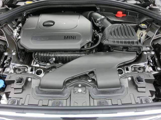 136ps 220N 燃費JOC8モード 17.1km/L (カタログ値) 3気筒ツインパワーターボ 低速から小気味良く回るエンジン サウンドもスポーツです。