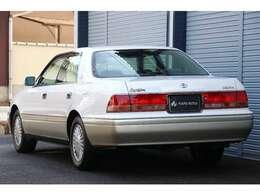 平成10年登録、15系後期モデル、グレードは自動車税の安い2,500ccのロイヤルサルーンです。