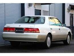 仕入れ先の業者オークションでは4.5点、内装評価Aの高評価が付けられたお車です。