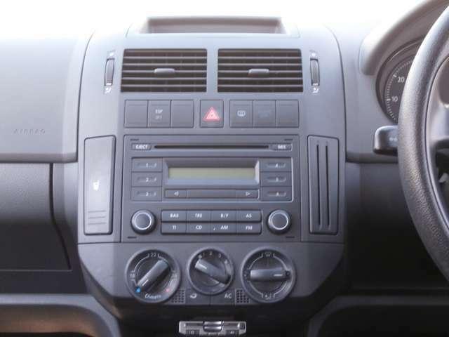 純正CD♪エアコンの操作部になります♪