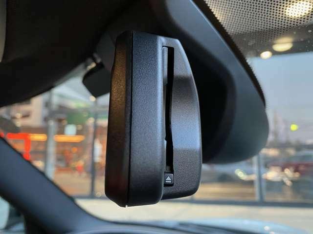 ETC車載器システム内蔵自動防眩ルームミラー ITSスポットによる渋滞情報受信サービスでは1000キロ先の渋滞情報まで網羅する事が可能です!