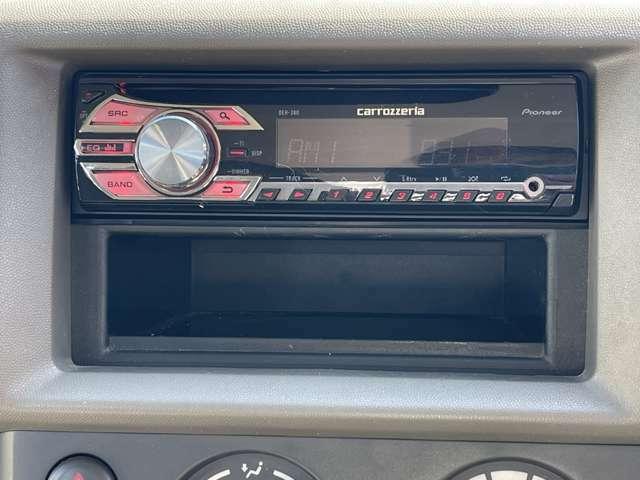 カロッツェリア製CDプレーヤーが装備されております!