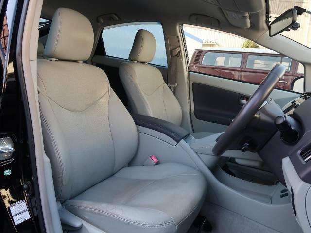 高級感たっぷりの「レザーシート」!!車内の高級感を与えてくれるので、優雅にドライブをお楽しみいただけます♪座り心地もバッチリです☆是非一度ご体感下さいませ!!