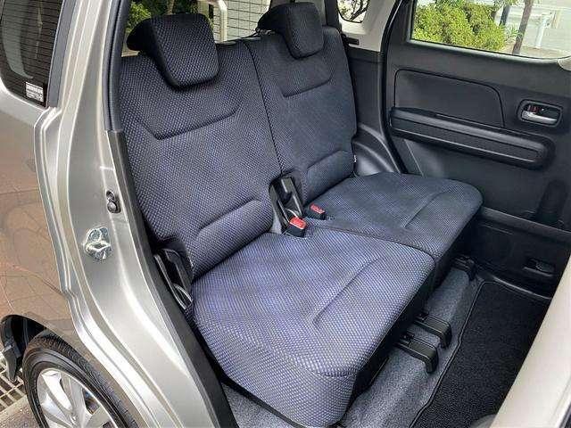 ■後席 こちらも汚れ使用感無く大変きれいにお使いです♪ スライド・リクライニング機能付き!