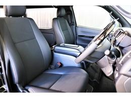 特別仕様車限定内装のハーフレザーシート!座り心地も見た目もスマートです!
