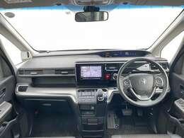 広い室内と運転しやすい広い視界で快適に運転頂けます